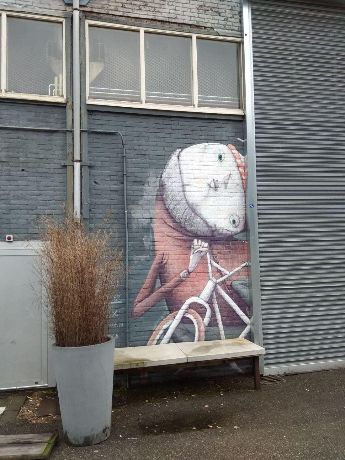 Amsterdam grafitti.jpeg